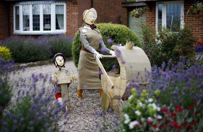 Необычный фестиваль огородных чучел в Великобритании