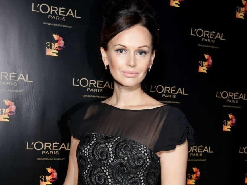 Ирина Безрукова вернулась в театр к бывшему мужу