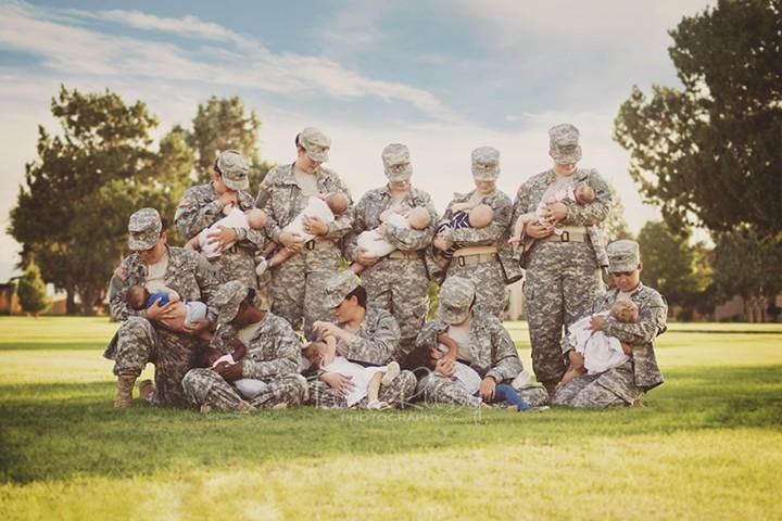 Трогательные фотографии кормящих женщин-солдат взорвали соцсети