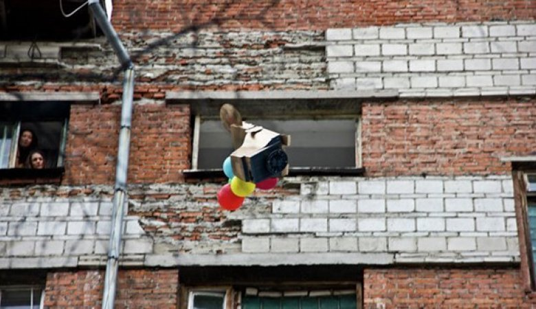 Томские студенты выбросят из окон общежития 500 холодильников, телевизоров и компьютеров