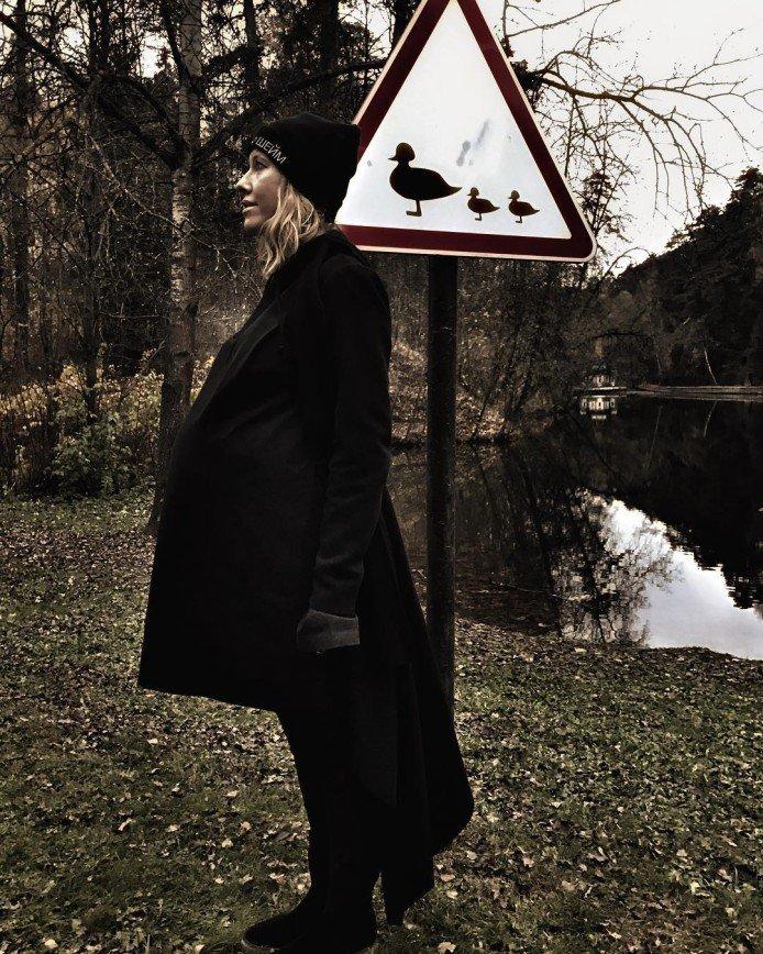 Ксения Собчак все-таки родила или отстегнула живот