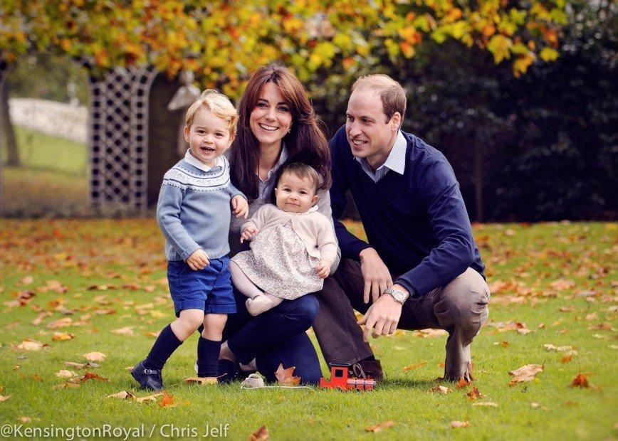 Принц Уильям и Кейт  с детьми поздравили с наступающим Рождеством