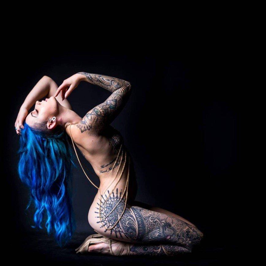 Австралийка потратила более 15 тысяч долларов на татуировки