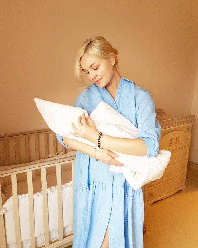 Полина Гагарина рассказала о том, как родила дочь