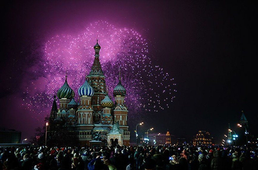 Фейерверки  в новогоднюю ночь в Москве - адреса площадок