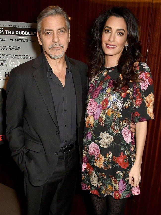 Друзья задразнили 55-летнего Джорджа Клуни