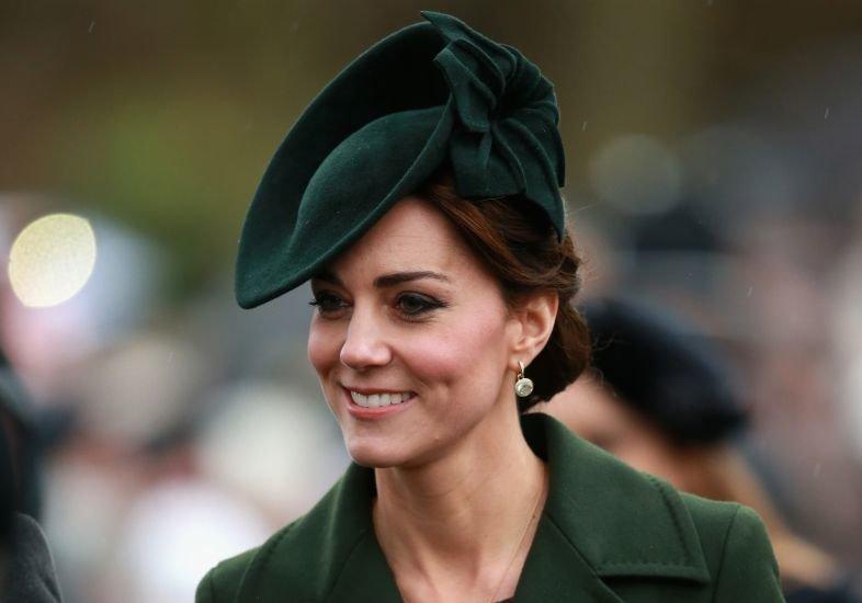Английская королевская семья посетила традиционную рождественскую службу