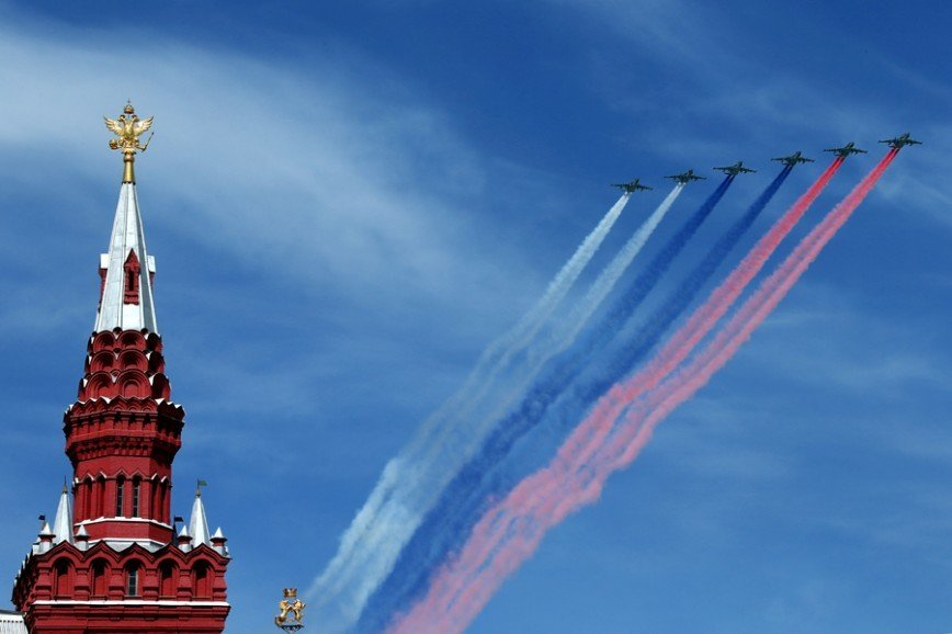 Воздушная программа парада в честь Дня Победы