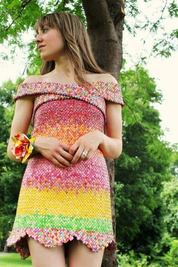 Догадайтесь, из чего сделано это платье