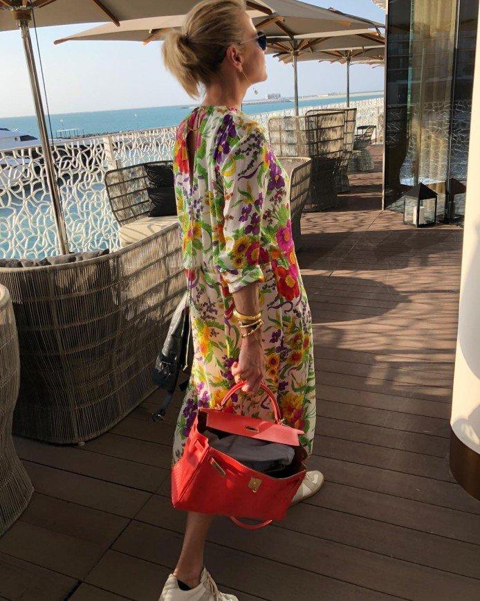 «Объясните, что за мода?»: открытая сумка Юлии Высоцкой вызвала споры