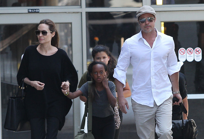 Приемная дочь отказывается жить с Анджелиной Джоли и мечтает вернуться на Родину