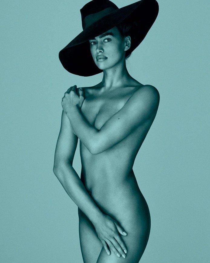 Ирина Шейк выложила фото без порток, но в шляпе