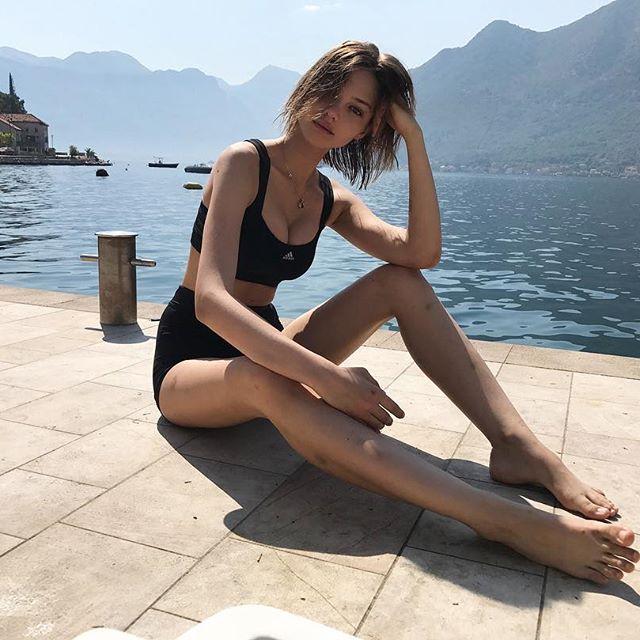 Синяки на руках и ногах Алеси Кафельниковой обеспокоили публику