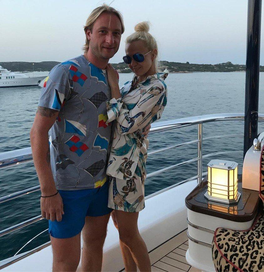 Первые кадры венчания Рудковской и Плющенко появились в сети