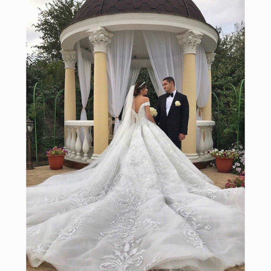 Кто кого переплюнет: новая свадьба в Каменск-Шахтинском за миллионы рублей
