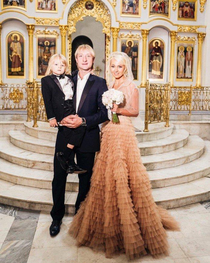 Вместе и навсегда: Рудковская и Плющенко повенчались