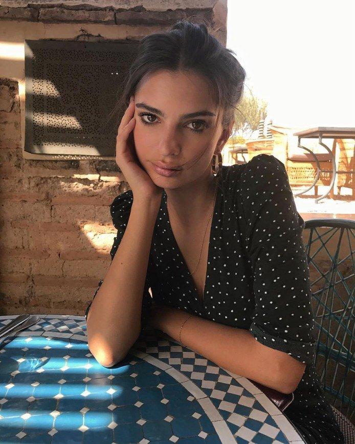 """""""Обнять и плакать, такая худая"""": Эмили Ратаковски испугала худобой"""