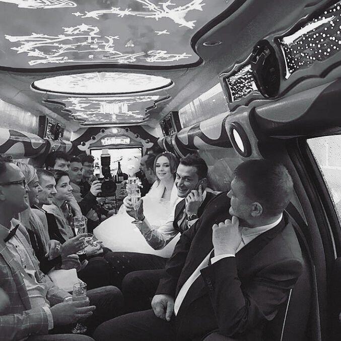 """""""Любой человек достоин быть счастливым"""": Диана Шурыгина опубликовала фото из ЗАГСа"""
