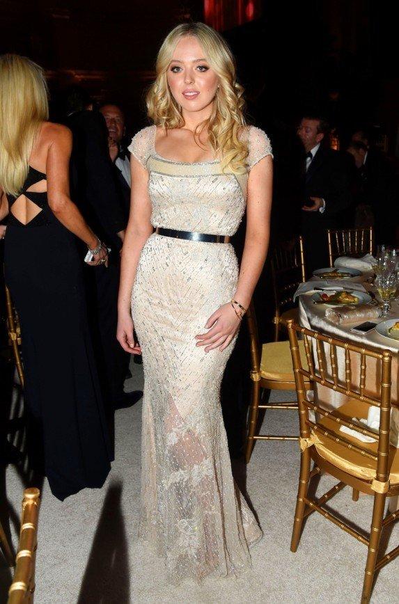 Платье Мелании Трамп на  инаугурацию мужа