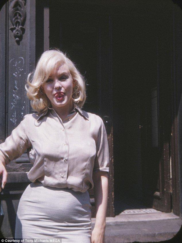 """Неизвестные ранее фотографии беременной Мэрилин Монро: Как утверждают СМИ, в 34 года Мэрилин была беременна от партнера по фильму """"Давай займемся любовью"""" Ива Монтана, хотя в"""
