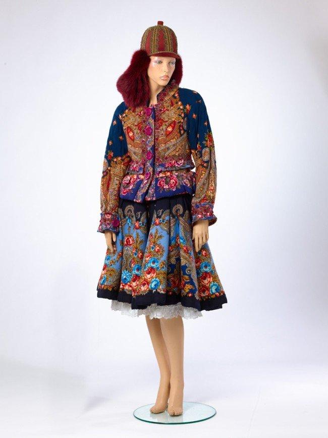 Модельер Слава Зайцев передал Эрмитажу 16 своих костюмов