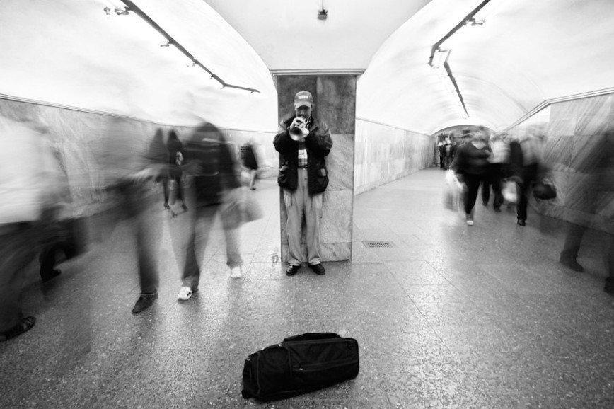На станциях метро официально будут выступать музыканты