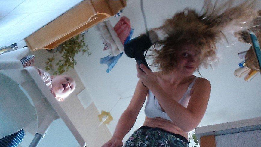 Залез к молодой маме в трусы в хорошем качестве 720 фотоография