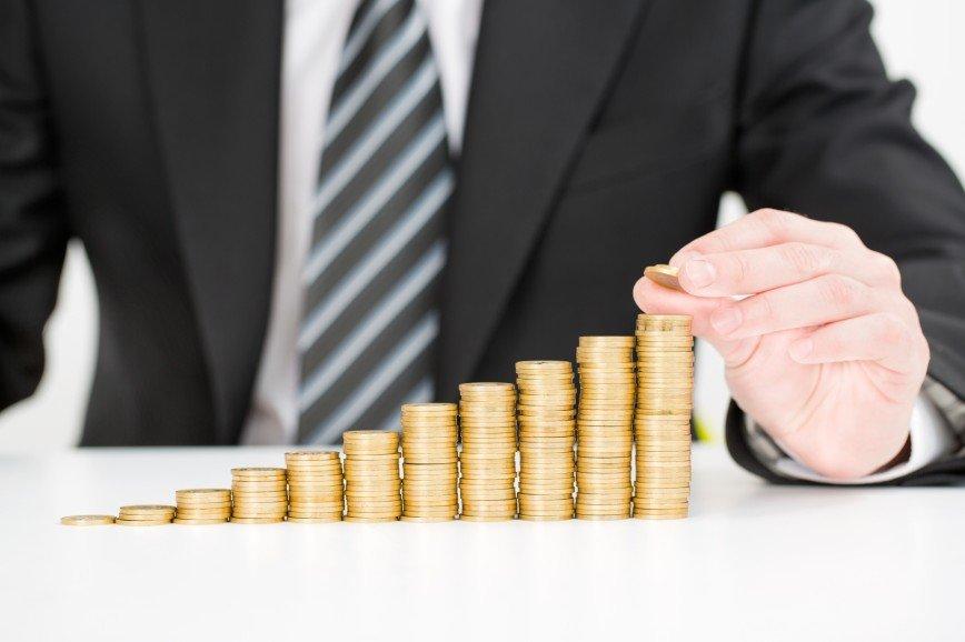 Минэкономики РФ предлагает приостановить рост зарплат