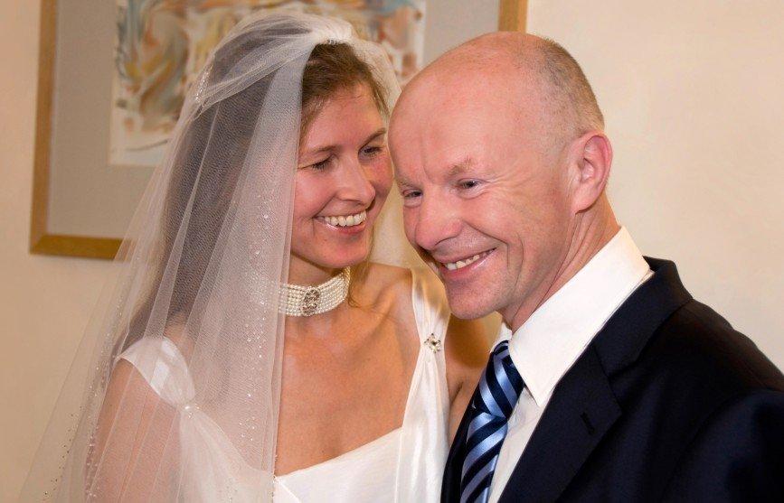 Пожилой миллионер женился на своей 24-летней внучке
