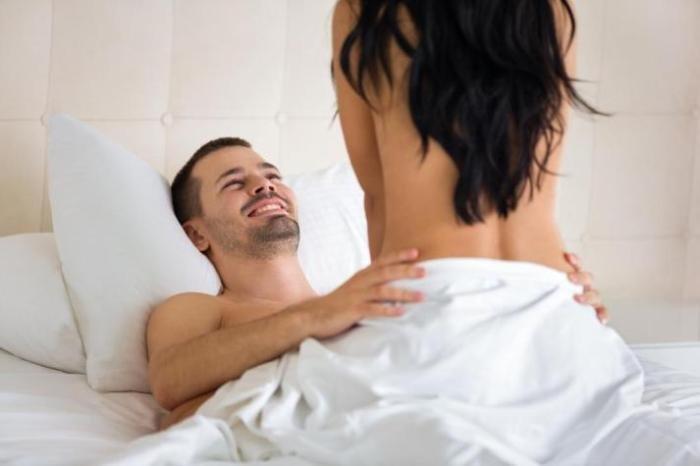 Ебут в кровати фото Кладу