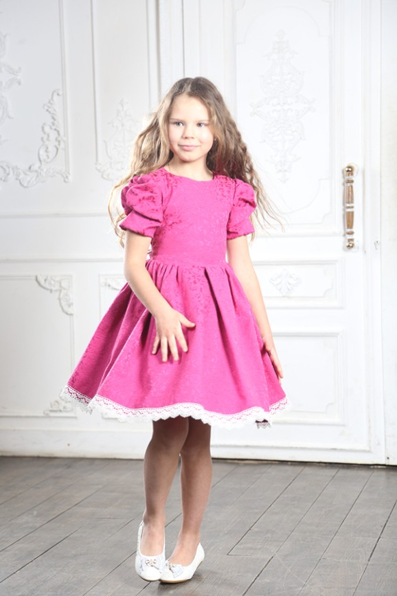 8-летняя дочь певицы МакSим  стала моделью