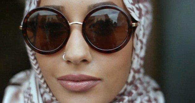 H&M впервые снял рекламу с моделью в хиджабе