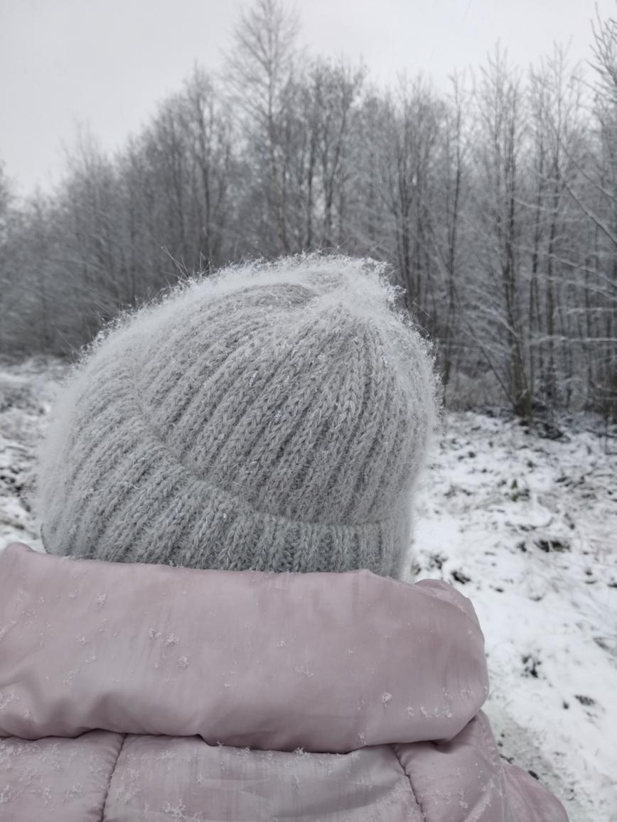Автор: ИвИва, Фотозал: Мое хобби, Ангора  700/100 в две  нитки и нитка узелкового люрекса 1500/100, которого ушло граммов 20. Вес шапки 88, спицы 2,75.