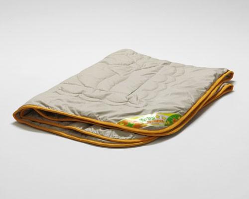 """Детское одеяло из верблюжьей шерсти """"Верблюжонок"""" фирмы Kariguz летнее 110х140. Бежевого цвета. Б\У. 2000 руб."""