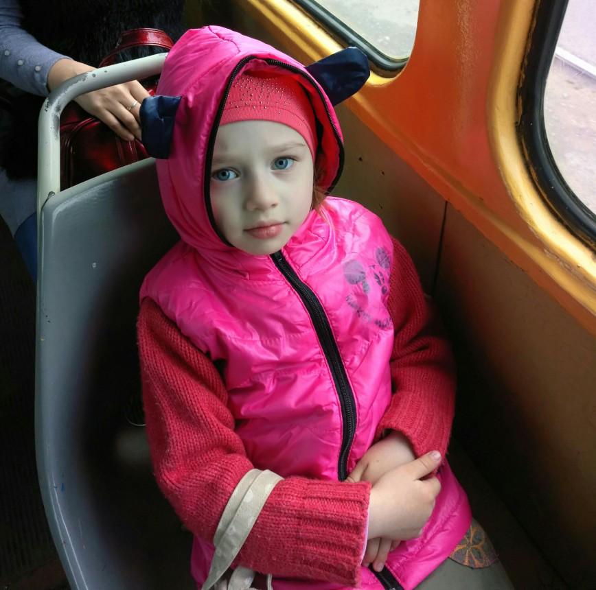 Автор: Великая Волшебница, Фотозал: Наши Дети, В садик ездим на трамвае. Зато школа совсем рядом.