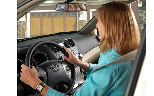 Как правильно водить молодых вокруг машины