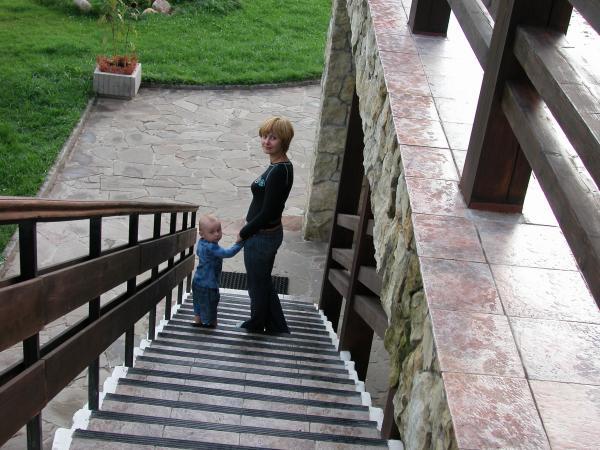 Лестница - наилюбимейшее развлечение Канаково август 2005