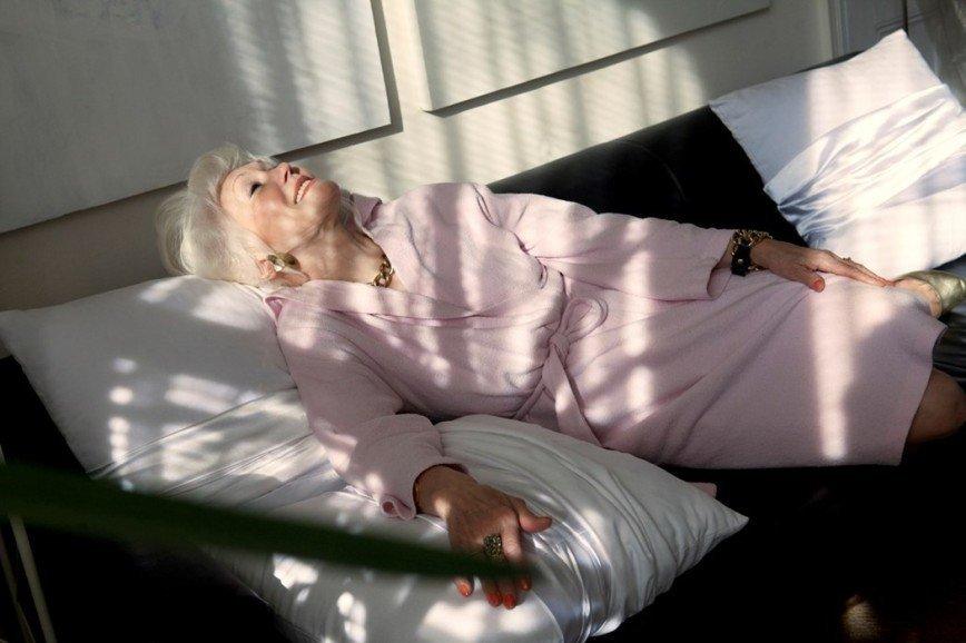 73-летняя женщина доказывает, что у красоты нет возраста