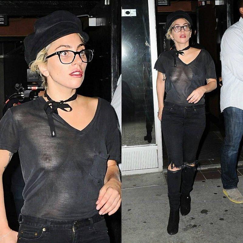 Леди Гага прогулялась по Нью-Йорку в прозрачной майке