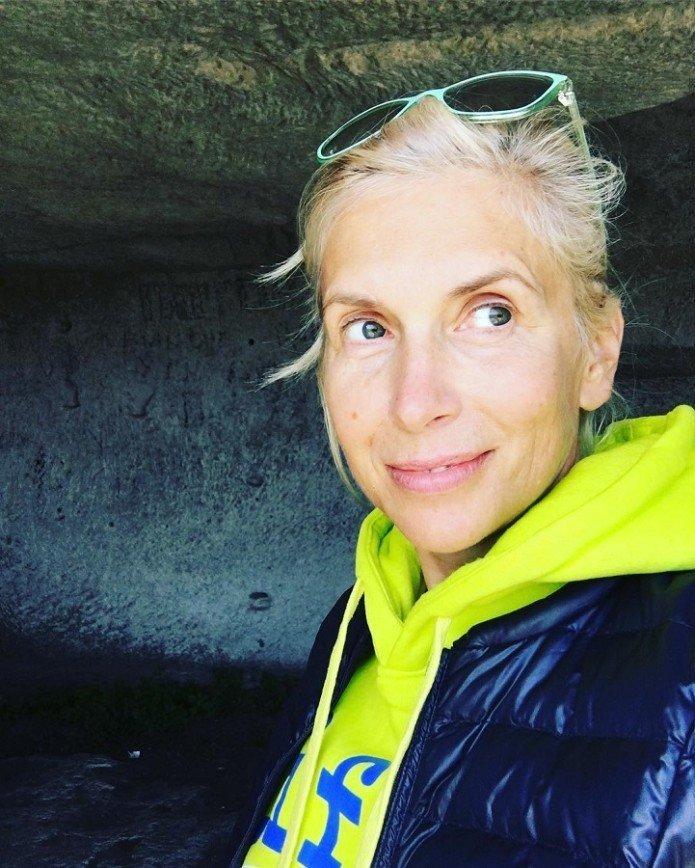 В тренде: Алена Свиридова показала себя без макияжа