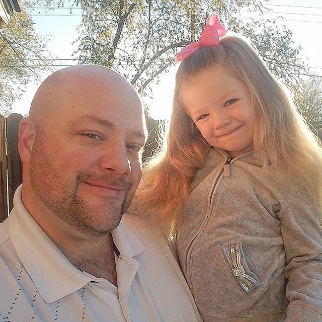 Руководство по прическам для дочки от одинокого отца