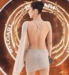 Белла Хадид вновь сверкнула голым платьем