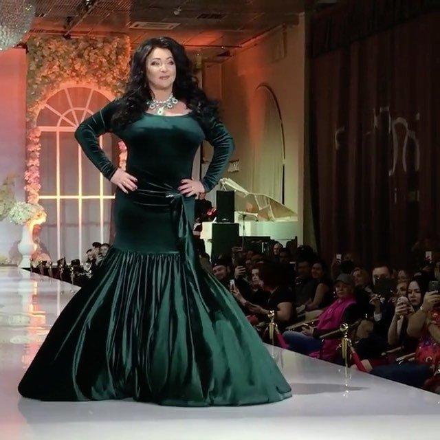 Лолита Милявская на подиуме: я нормальный plus size