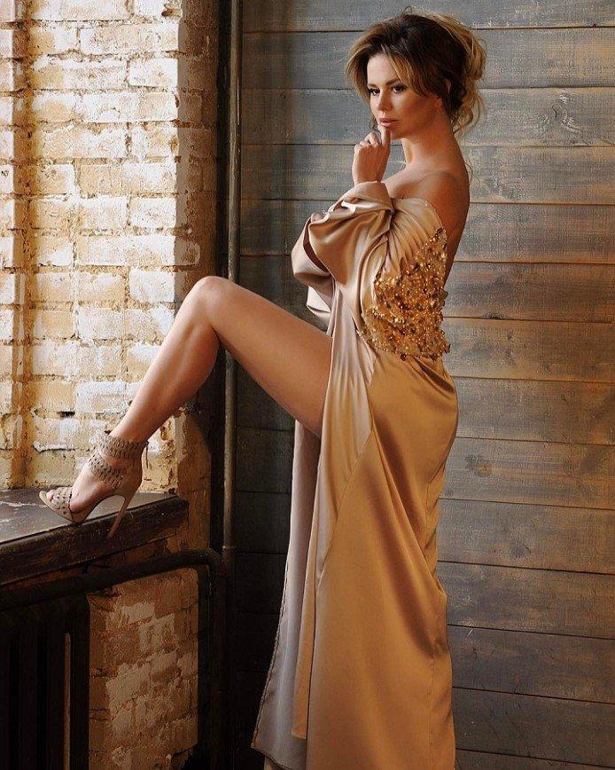 Анна Семенович стала лицом сайта для взрослых