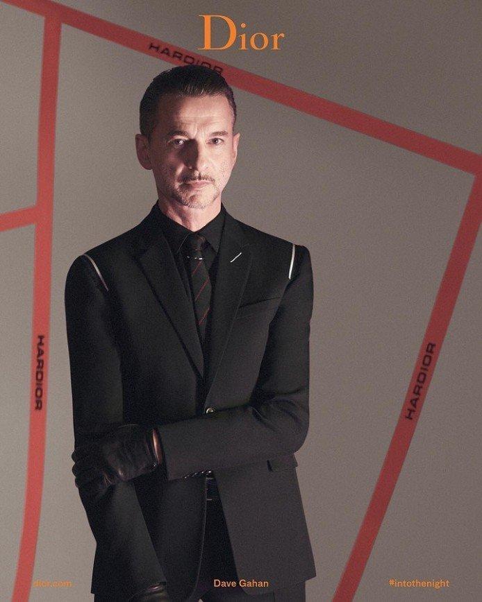 Фронтмен Depeche Mode и странные танцы в рекламе Dior