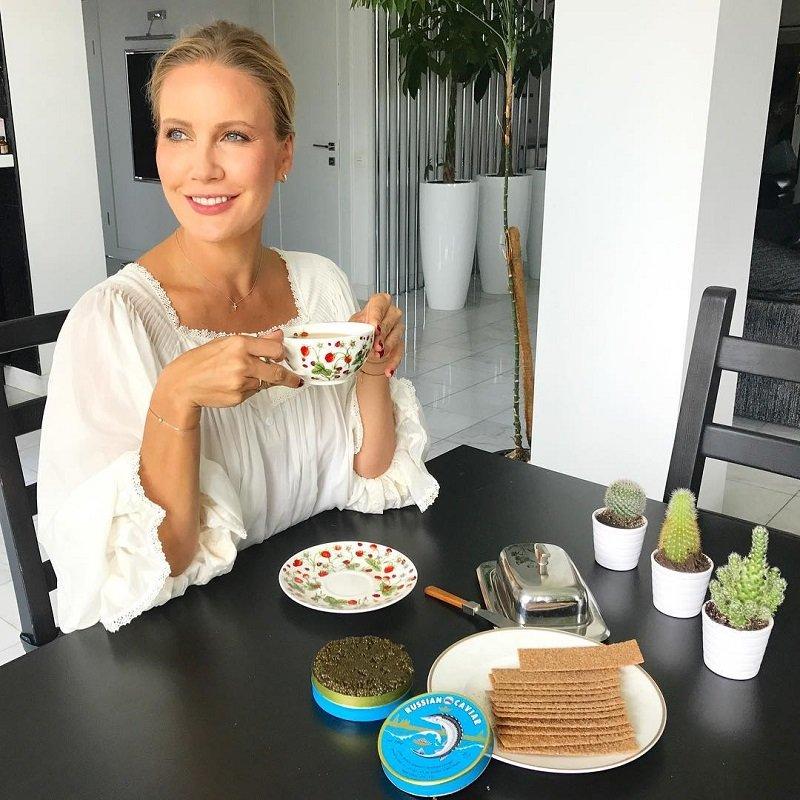 Нескромный завтрак Елены Летучей сравнили с пиром во время чумы