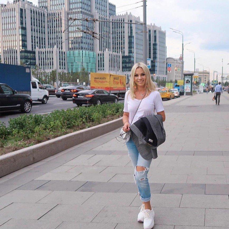 """""""С обновкой Вас"""": Ирина Салтыкова обзавелась пышным бюстом"""