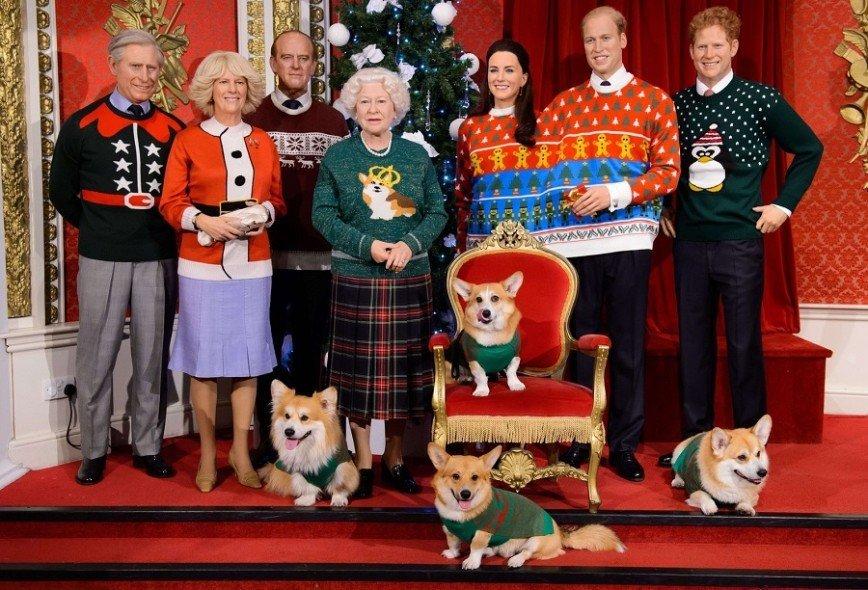 Королевскую семью приодели к Рождеству