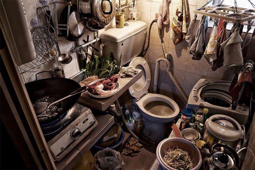 Жизнь в гробу: мини-квартиры Гонконга, в которых с трудом помещается человек