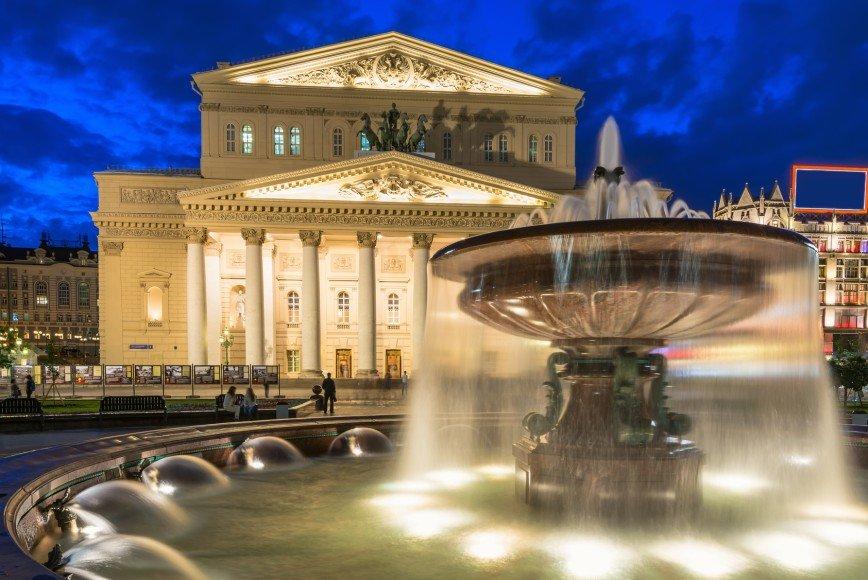 Спектакли Большого театра покажут на его фасаде